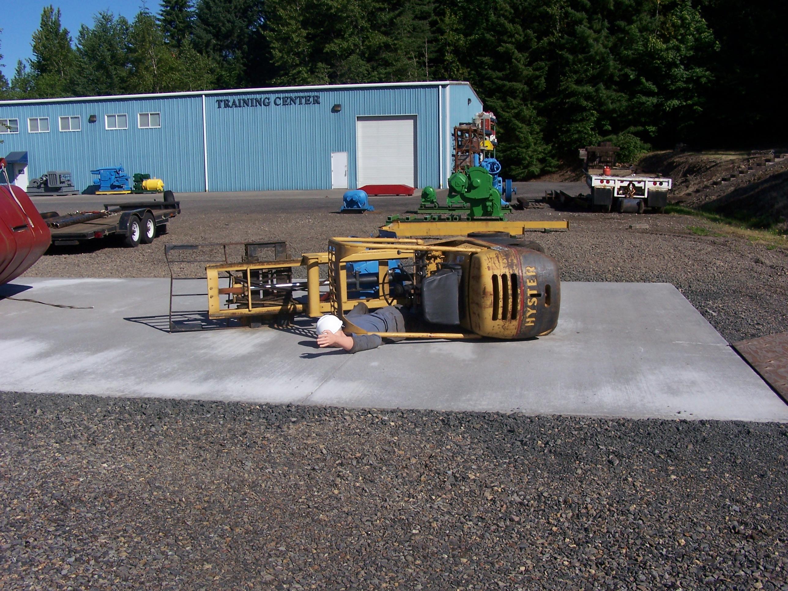 AI   Forklift side