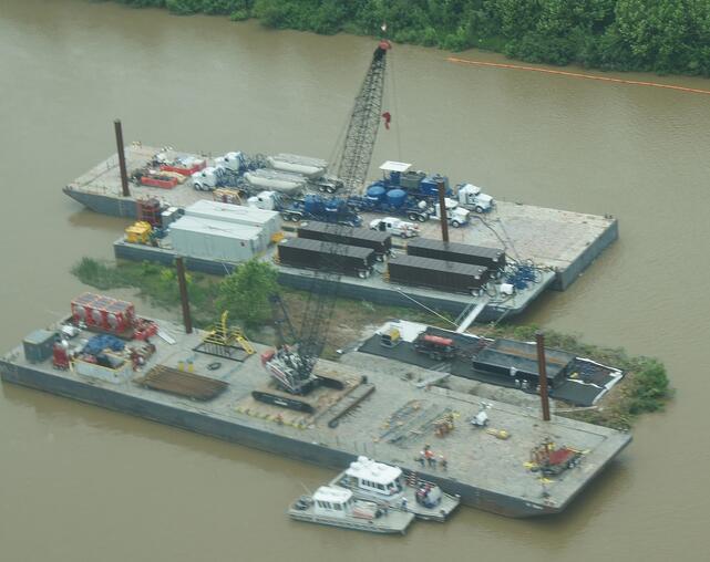 Mobile Crane Rigging : Mobile cranes on barges rigging engineering